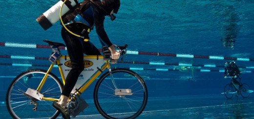World longest underwater bicycle race with new Guinness Record